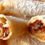 fagottini di pasta sfoglia con pere e cannella