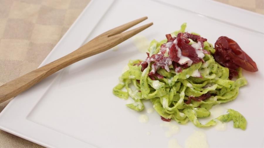 tagliatelle alla crema di parmigiano e bresaola