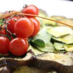 Ricetta vegetariana semplice e veloce: polpette di parmigiana di melanzane