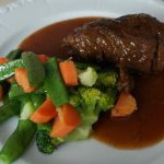 Brasato al vino rosso: preparazione della ricetta e alcuni consigli