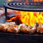 Barbecue a gas e a carbonella: vantaggi e svantaggi